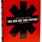 Fotos e notícias do livro oficial do Red Hot Chili Peppers: An Oral/Visual History