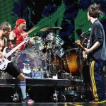 "Red Hot Chili Peppers irá dedicar os próximos shows ao ""Sea Shepherd Conservation Society"""