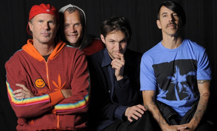redhotchilipeppers2014-700x423