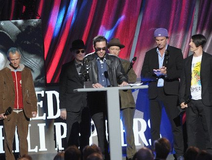 james-slovak-rock-roll-hall-fame-ceremony-2012-red-hot-chili-peppers-rhcp-j1